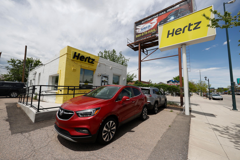 Hertz sold $29 million in stock despite SEC questions