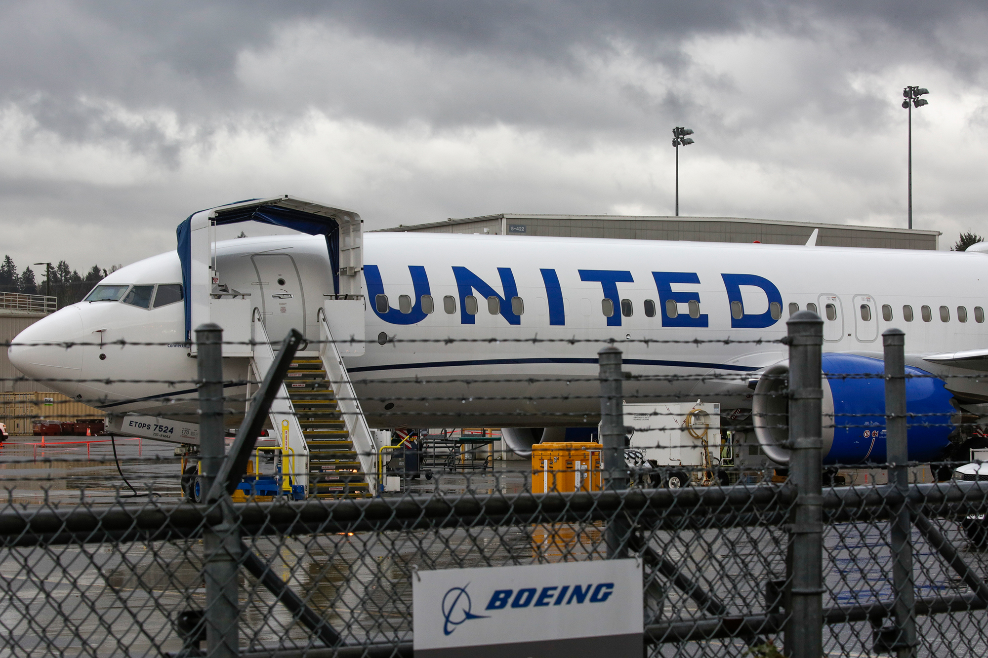 United, predicting a rebound in travel, buys 25 Boeing 737 Max jets