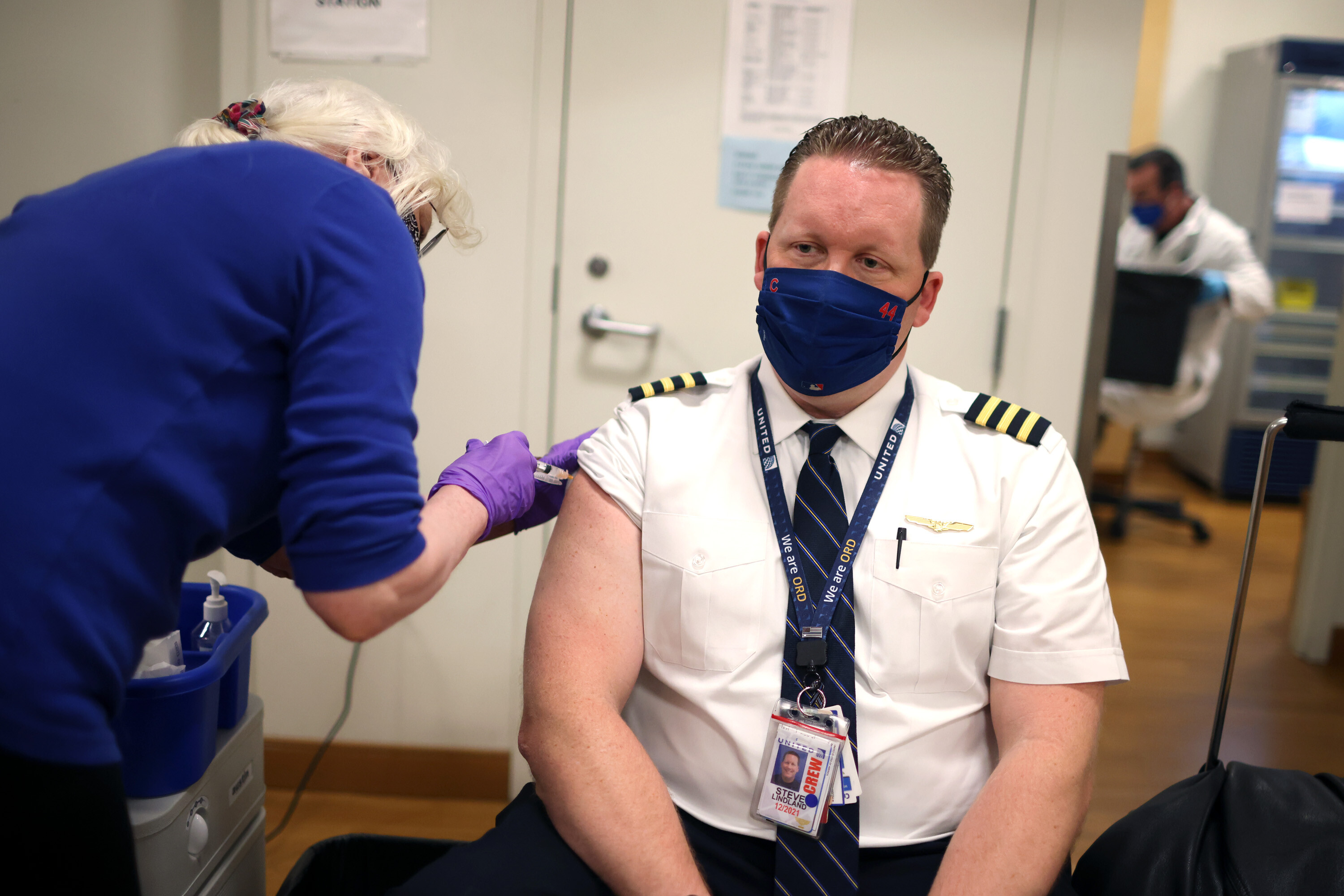 Almost all United employees complied with the vaccine mandate