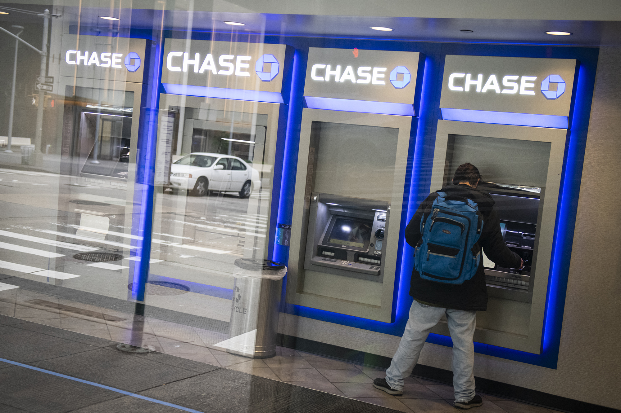 Democrats relaunch crackdown on bank overdraft fees