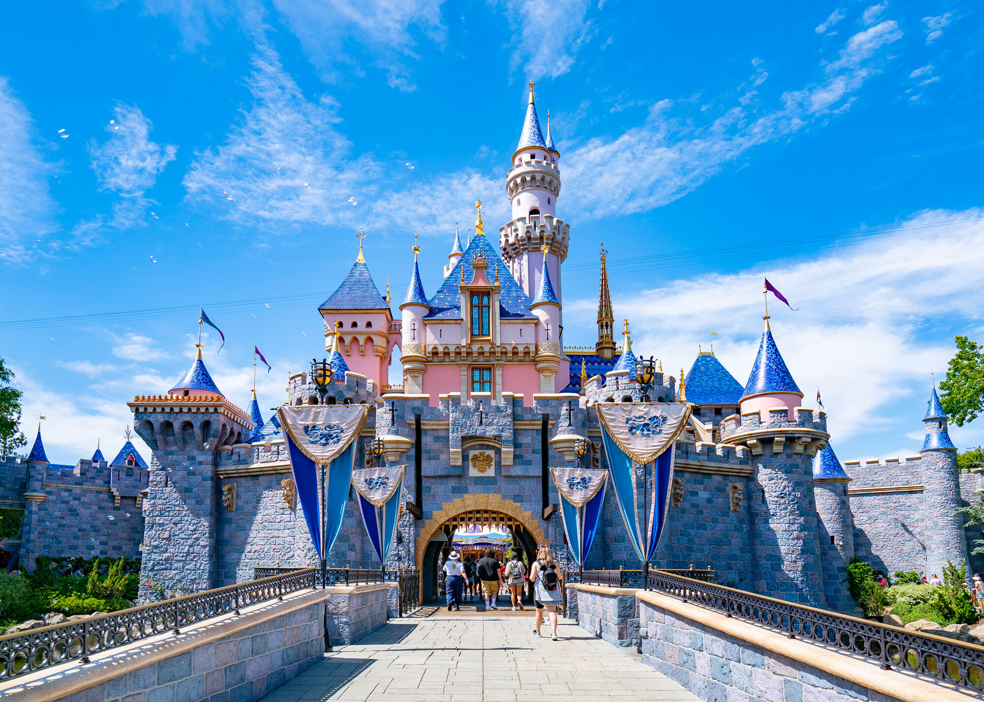 Disney and big banks lead stocks to new all-time highs