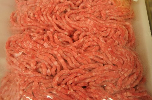 Image for E. coli outbreak from tainted ground beef expands to 10 states
