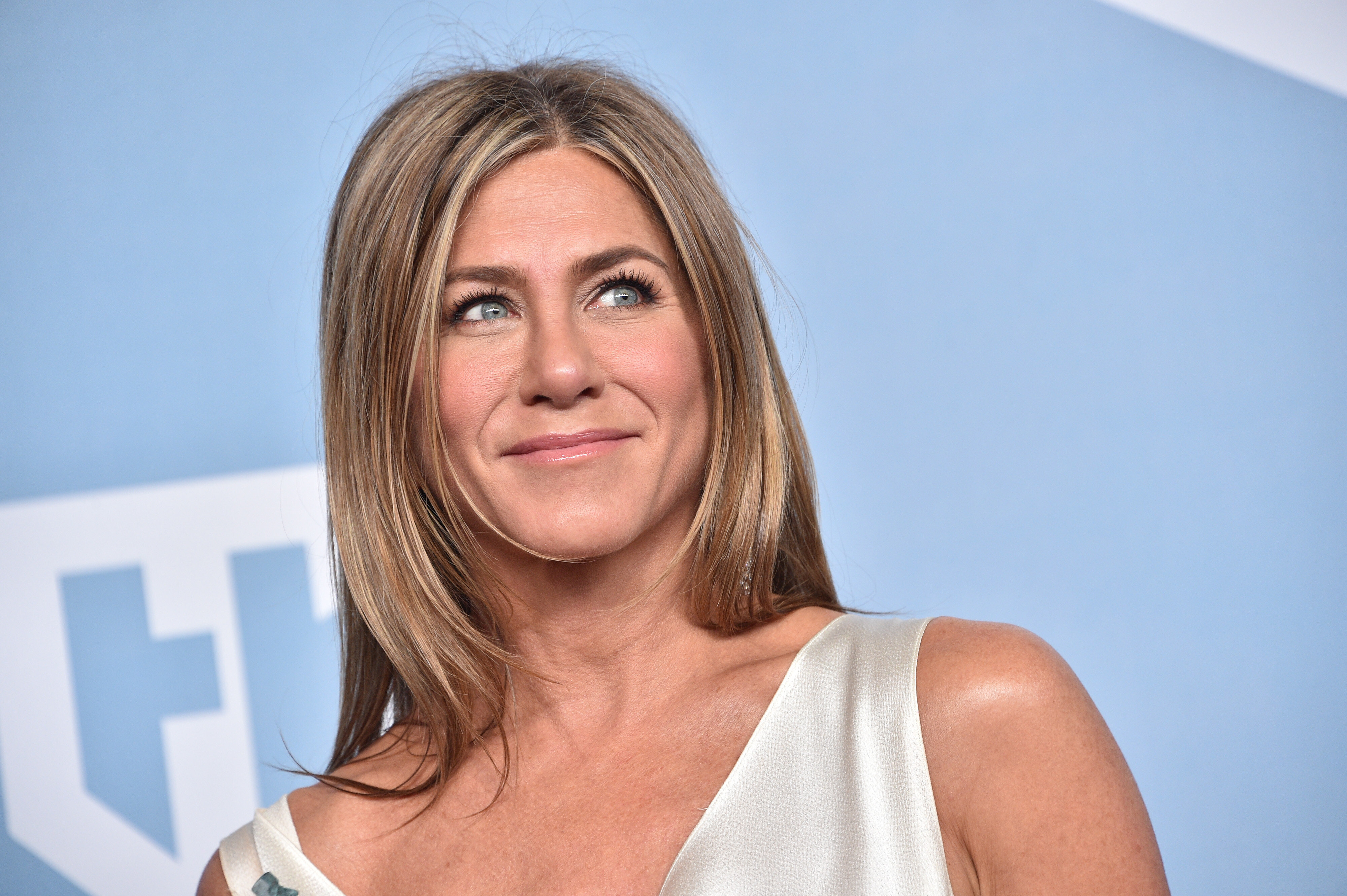 Jennifer Aniston defends staying away from the unvaccinated