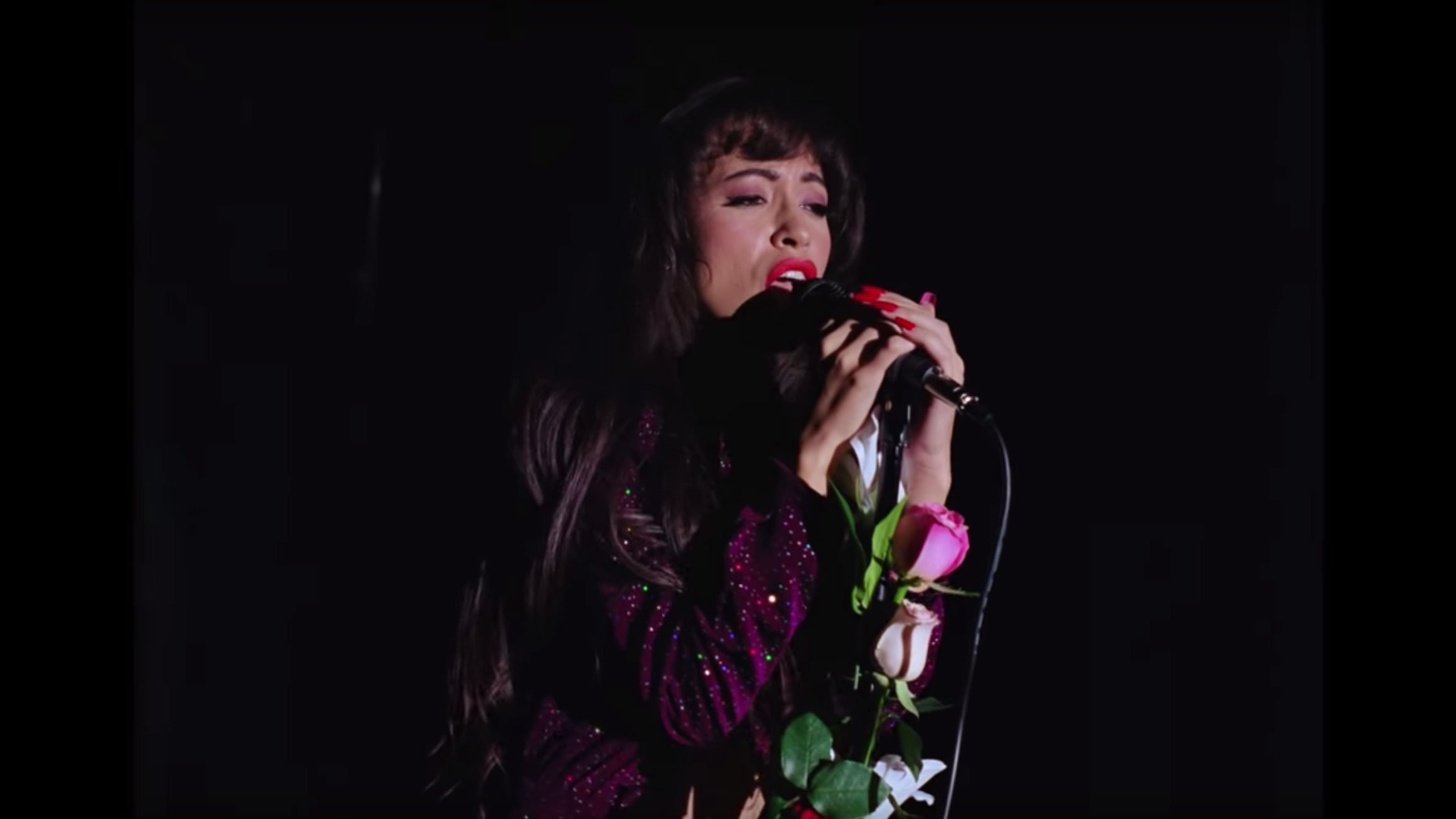 First look at Christian Serratos as Selena Quintanilla in new Netflix series
