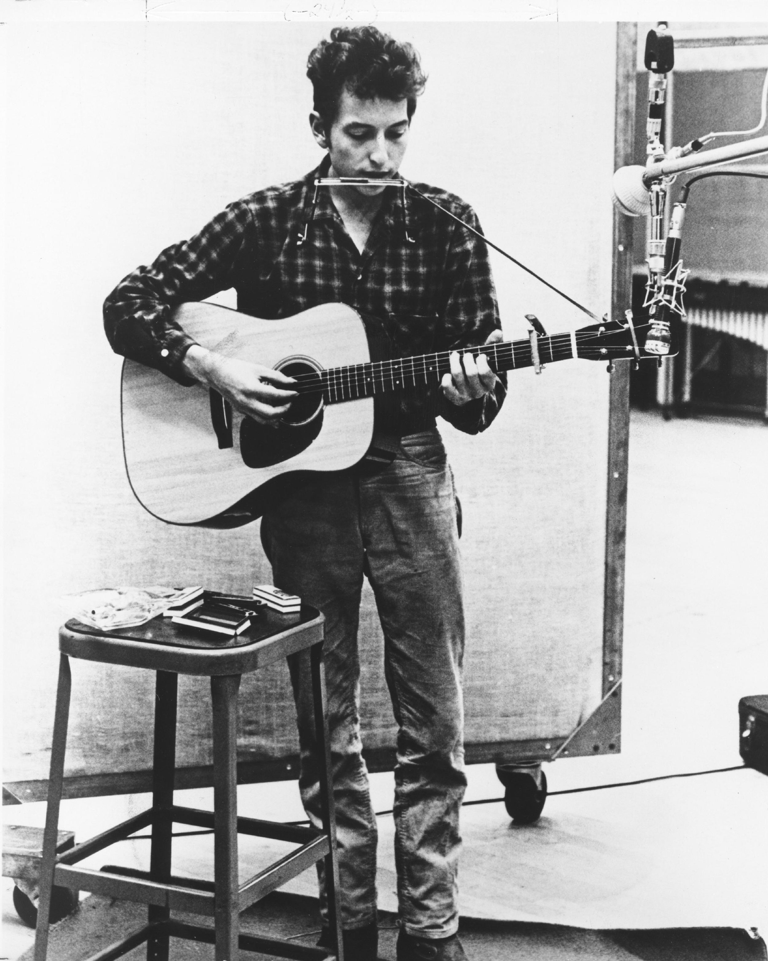 Bob Dylan lyrics, letters sell for nearly half a million dollars