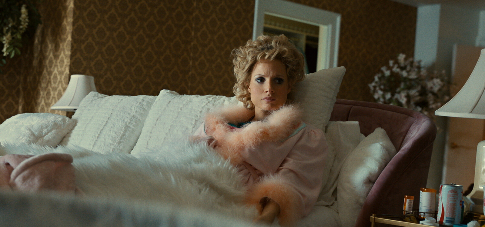 'The Eyes of Tammy Faye' isn't as good as Jessica Chastain's performance