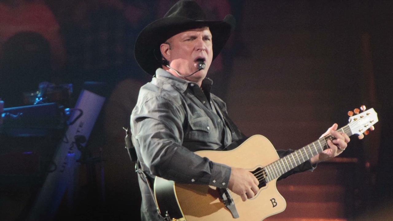 Garth Brooks is expanding his summer stadium tour