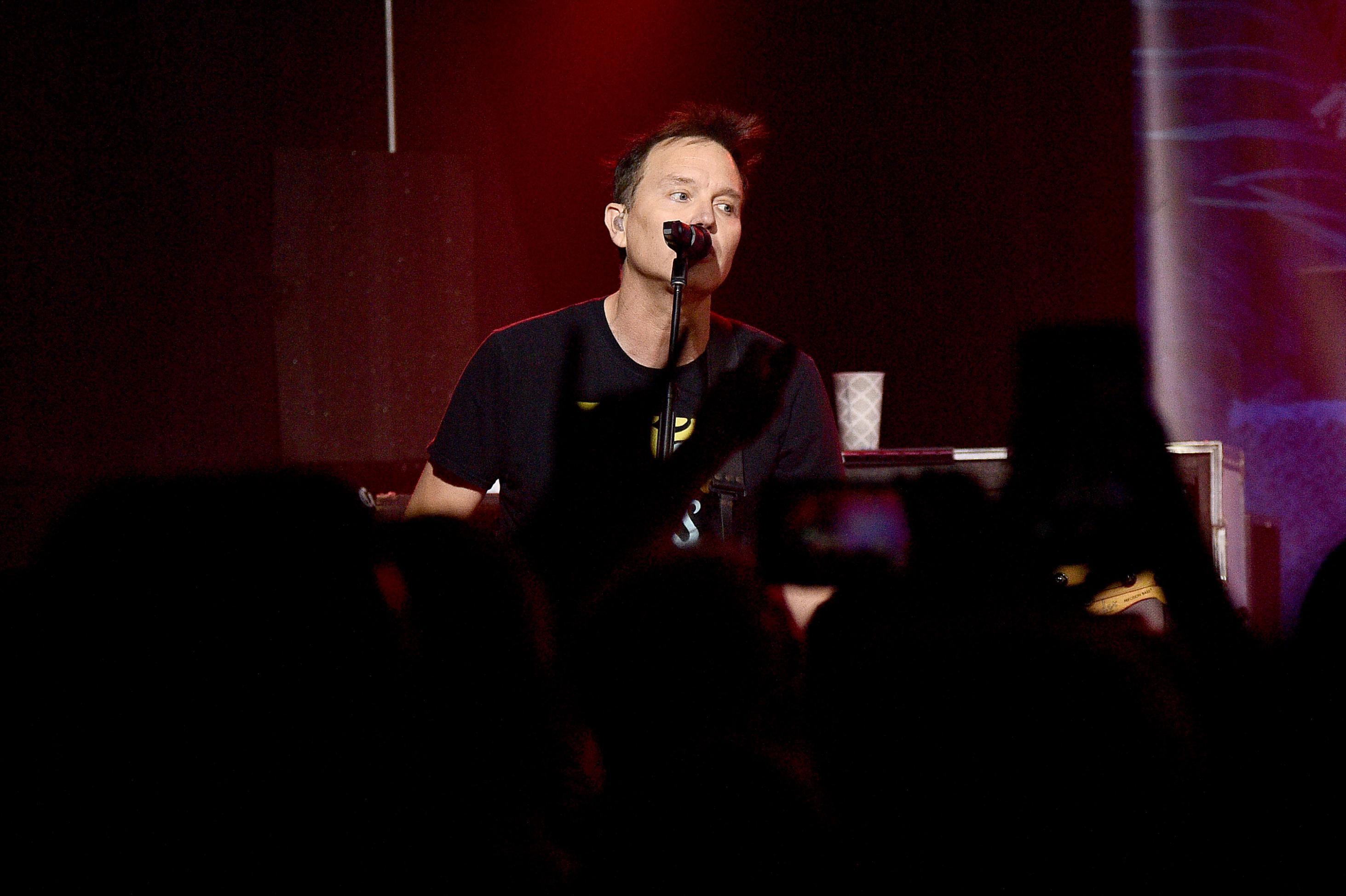 Mark Hoppus of Blink-182 offers cancer treatment update