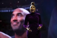 Jennifer Hudson delivers powerful tribute to Kobe Bryant at 2020 NBA All-Star Game
