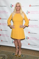 Jessica Simpson opens up about drinking and pill addiction in new memoir