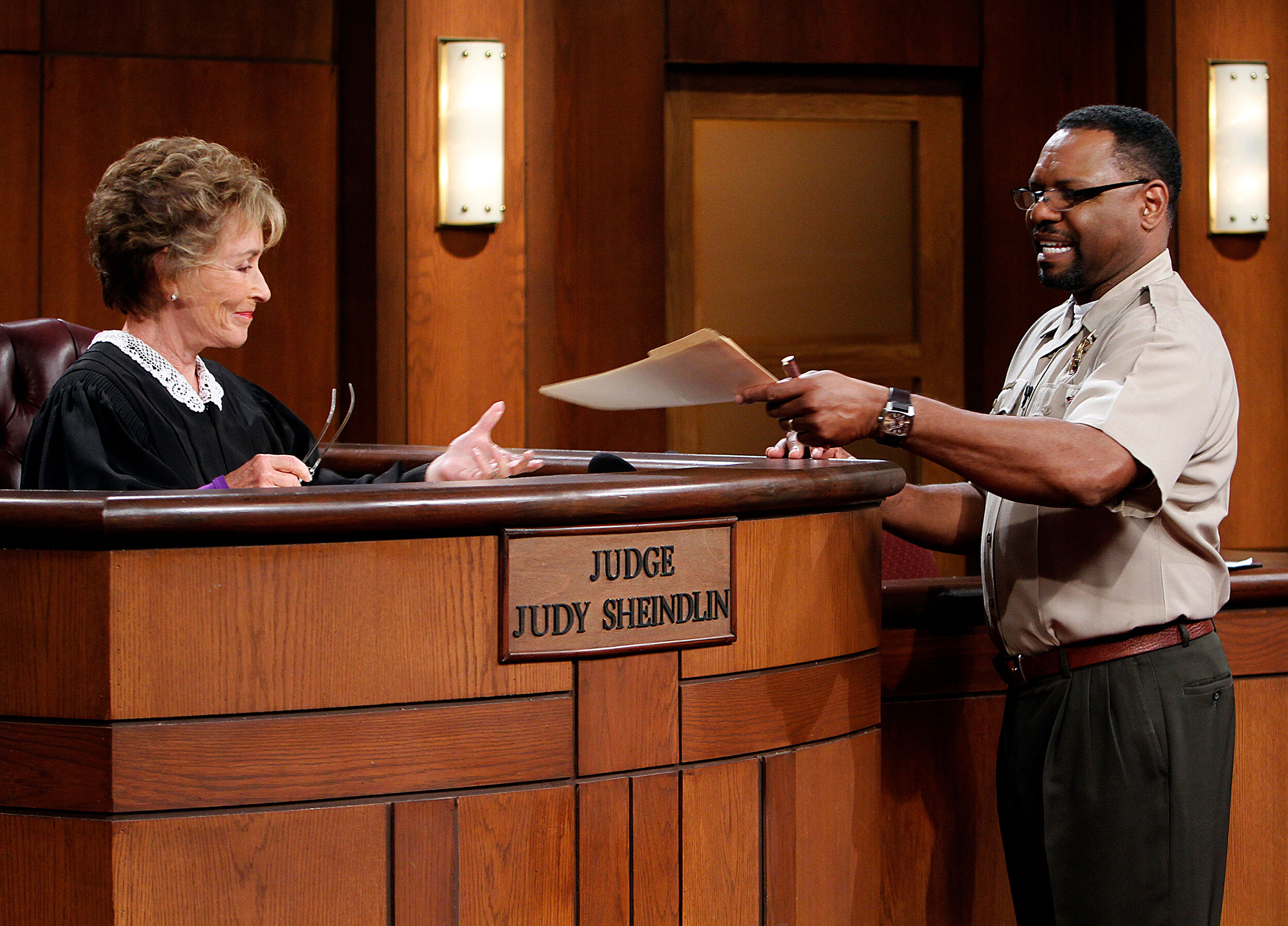 'Judge Judy' bailiff says he wasn't invited to be a part of her new show