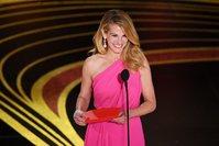 Julia Roberts wins for best Emmy snub reaction