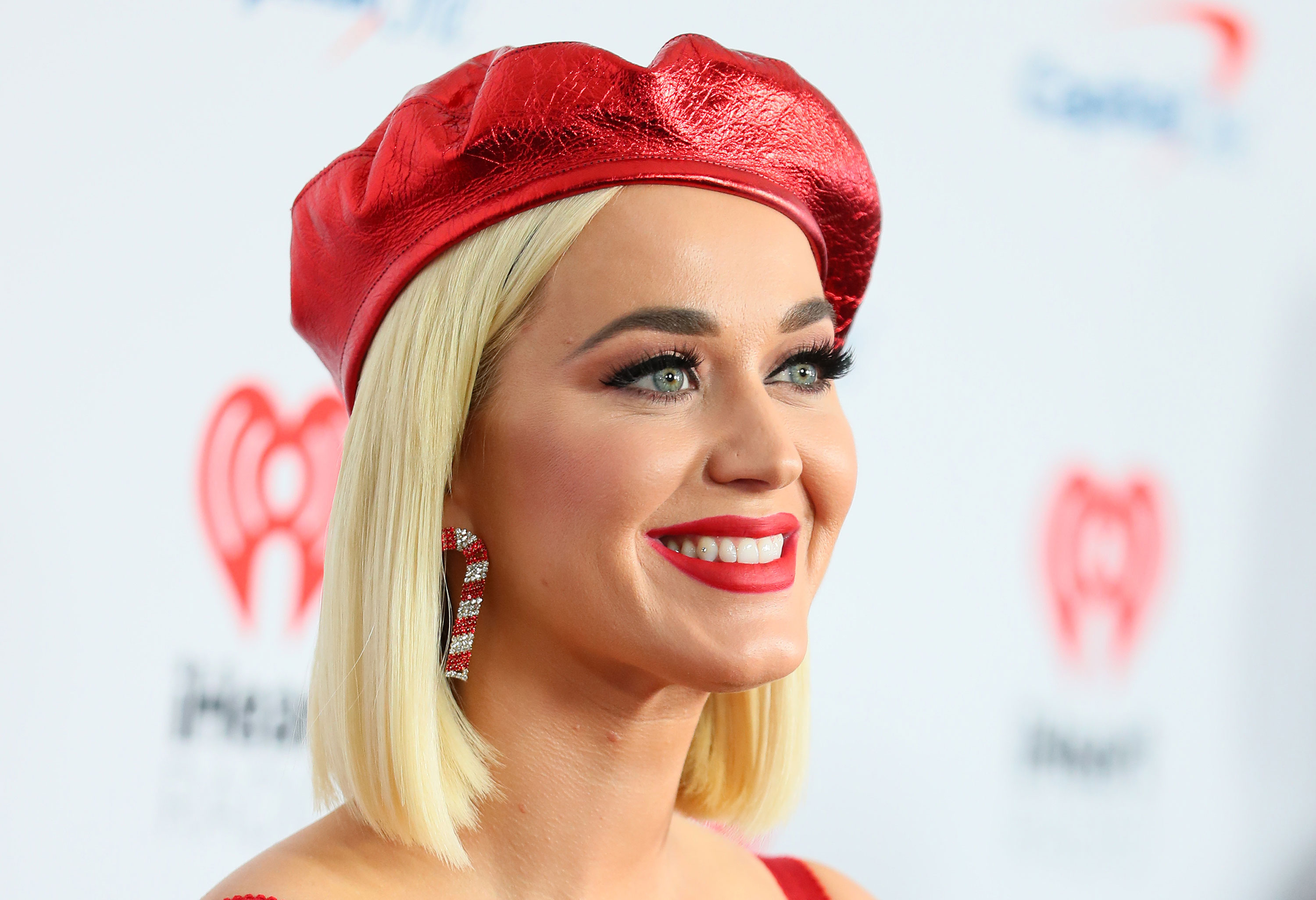 Katy Perry offers support to Ellen DeGeneres
