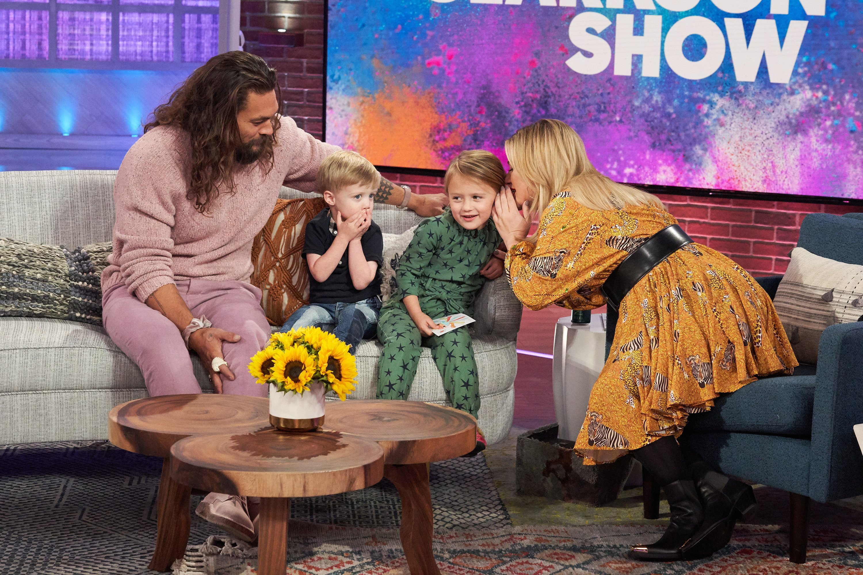 Kelly Clarkson's kids interviewed Jason Momoa with adorable results