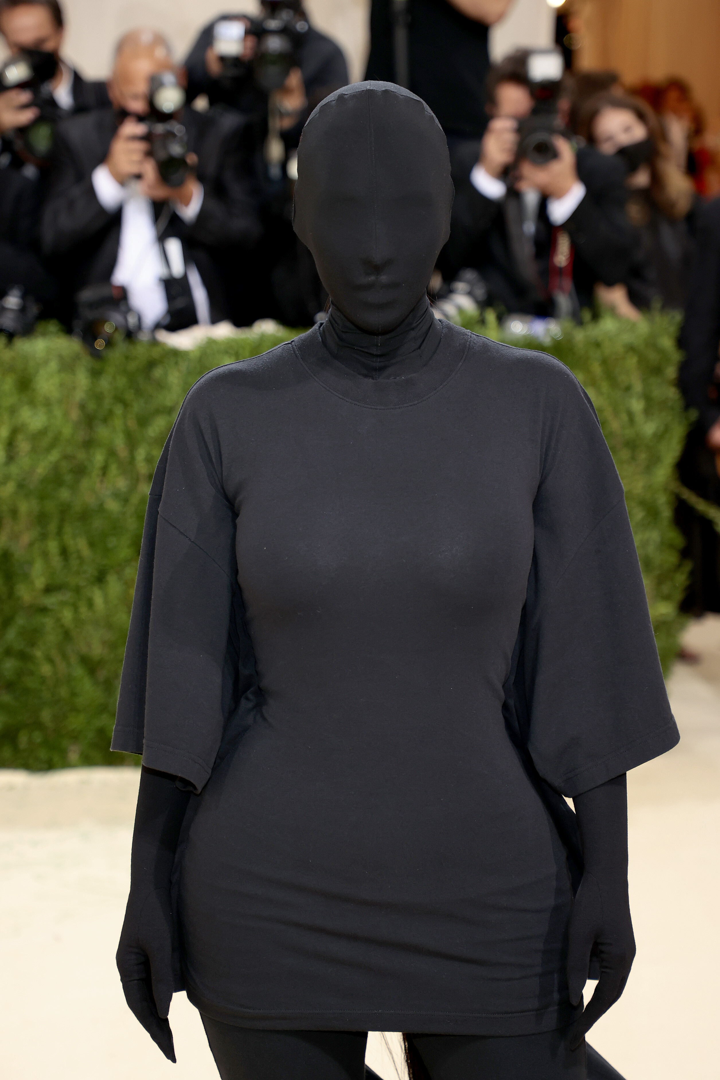 Kim Kardashian West saw your Met Gala memes of her