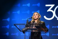 Man sues Madonna, saying her 10:30 p.m. concert start is too late
