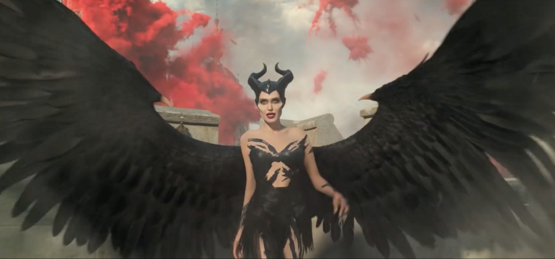 'Maleficent' flies higher in sequel 'Mistress of Evil'