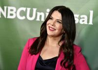 Lauren Graham to star in 'Mighty Ducks' series for Disney+