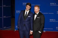 'Modern Family' star Jesse Tyler Ferguson and husband Justin Mikita are expecting a baby
