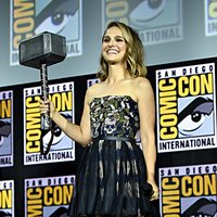 Natalie Portman will bring the hammer as a female Thor in 'Love and Thunder'