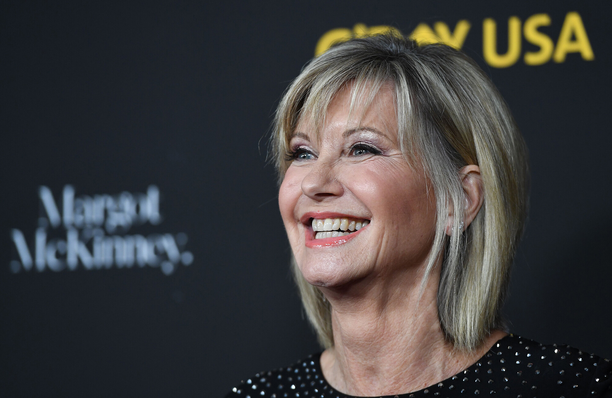 Olivia Newton-John offers cancer update