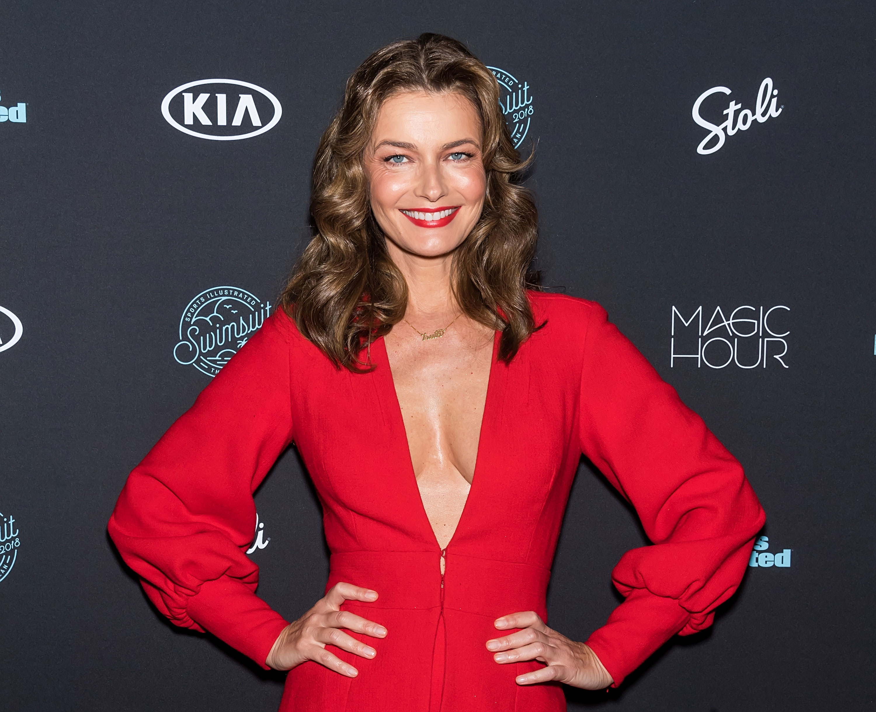 Paulina Porizkova didn't need photoshop to land on the cover of Vogue Czechoslovakia