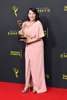 Rachel Bloom celebrates Emmy win and announces she's pregnant