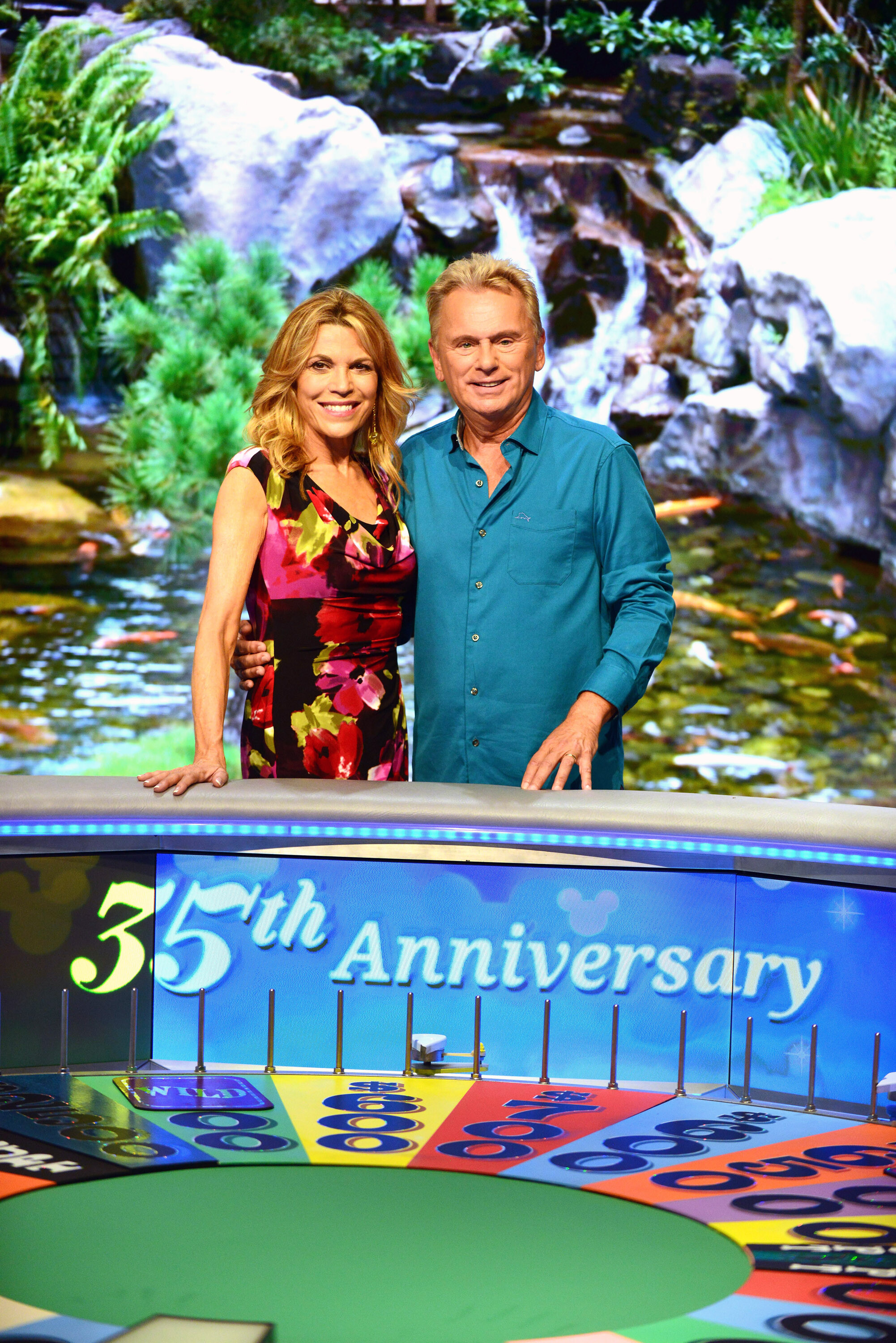 Pat Sajak and Vanna White reup on 'Wheel of Fortune'