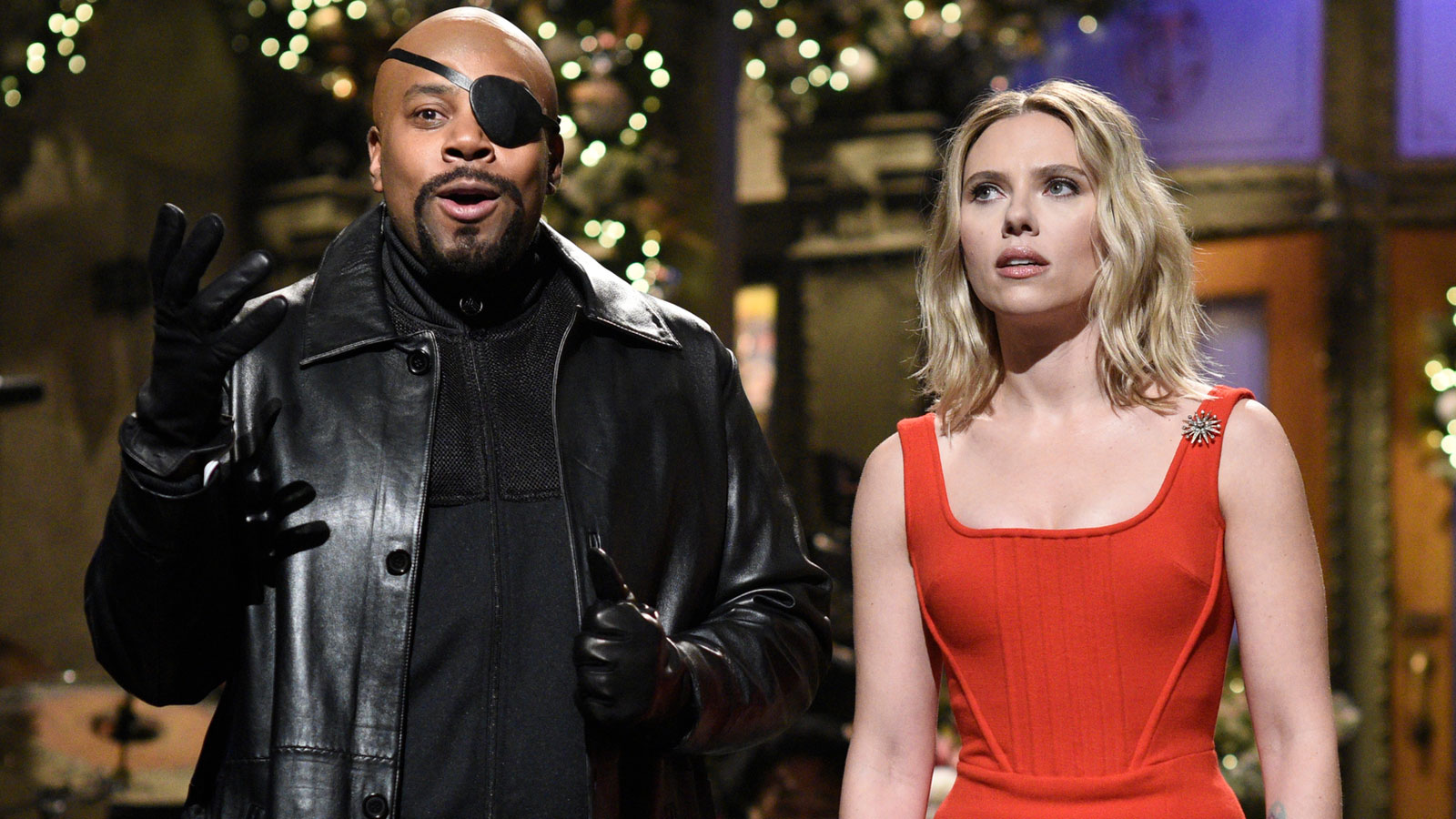 Scarlett Johansson rescues 'SNL' cast from Thanos in 'Avengers'-themed monologue