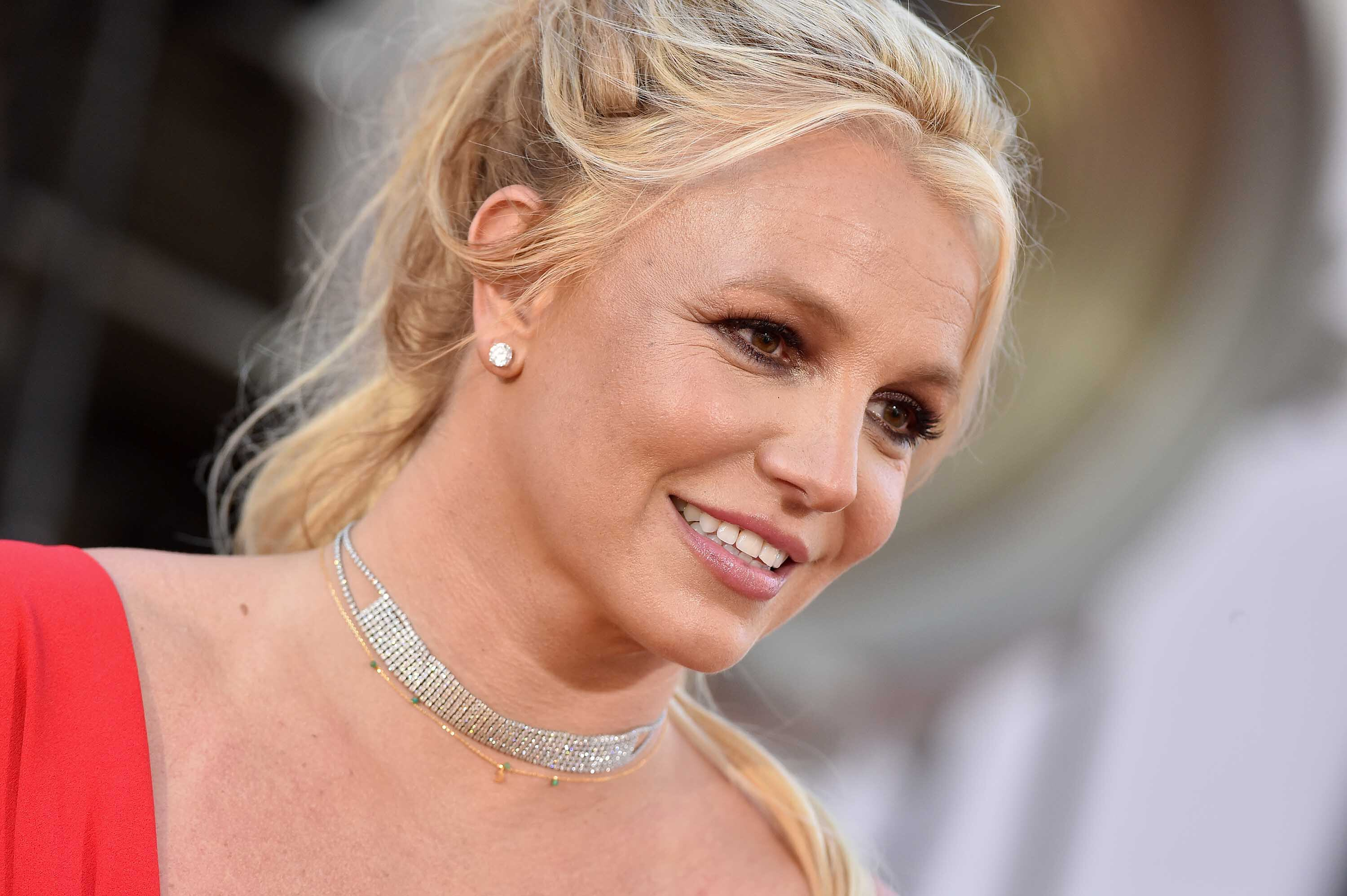 Britney Spears just bought her first ever iPad and she's beyond excited