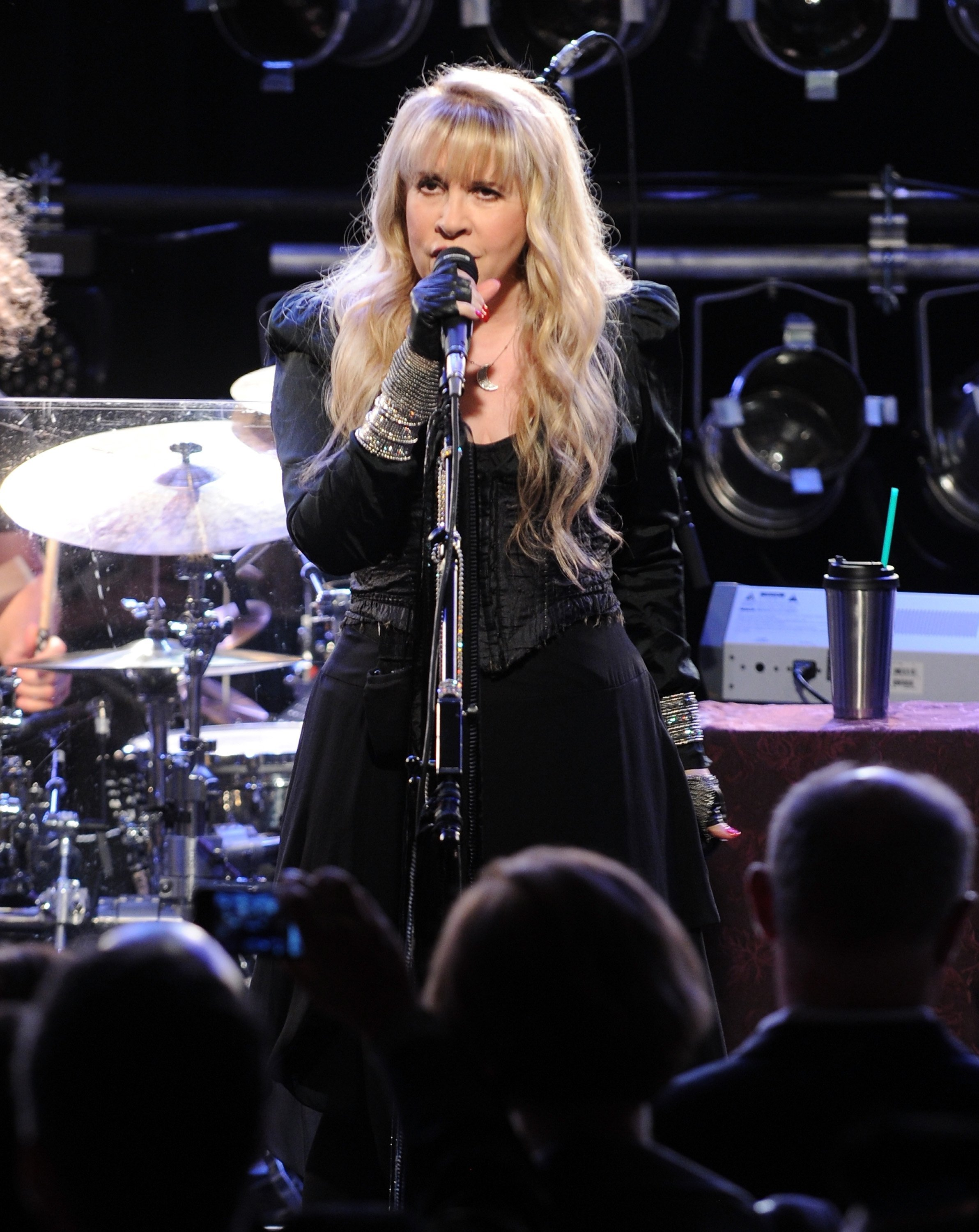 Stevie Nicks urges fans to wear a mask and fears if she contracts Covid-19 she'll never sing again