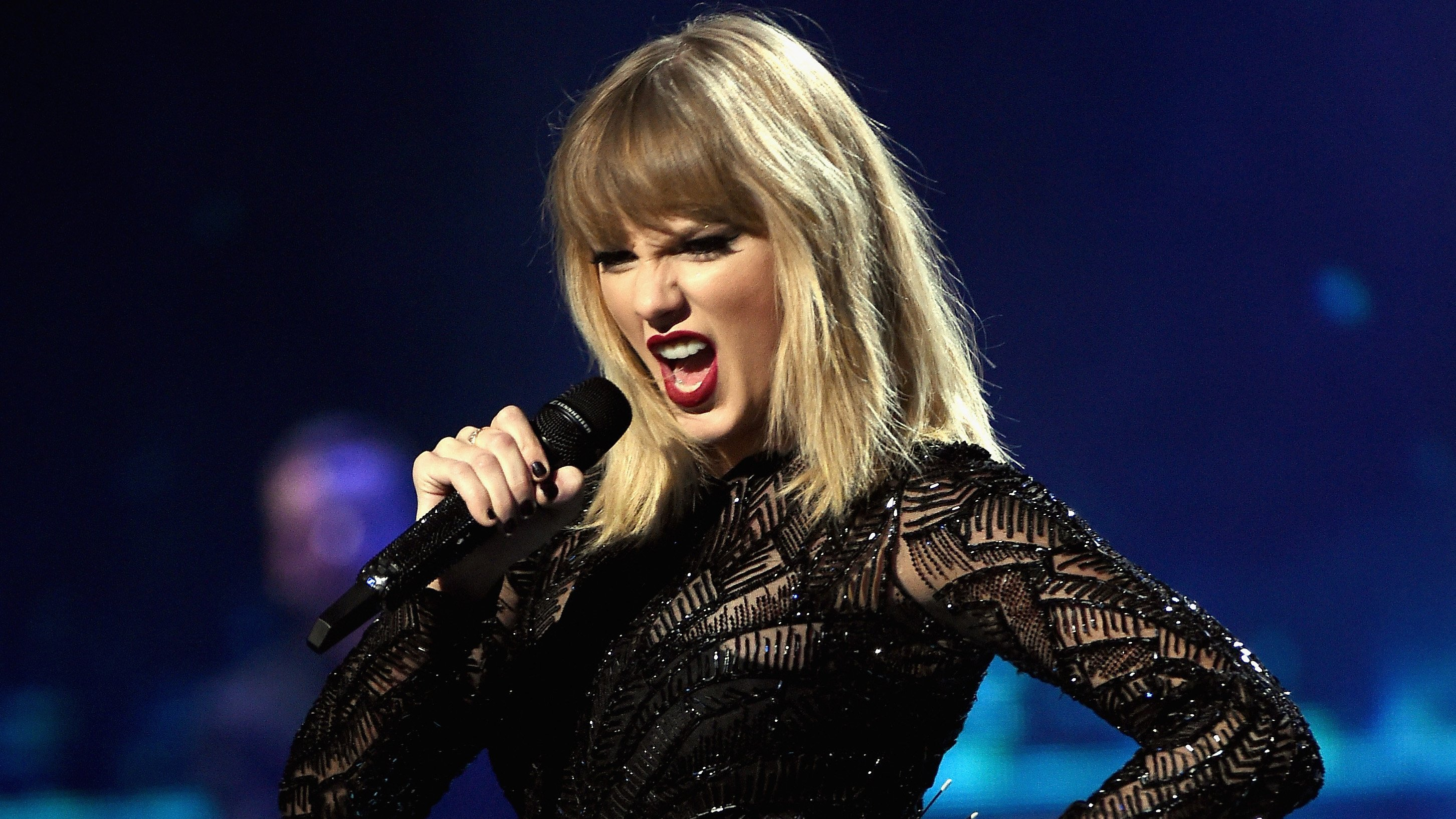 Taylor Swift announces 2020 tour with only 2 US stops