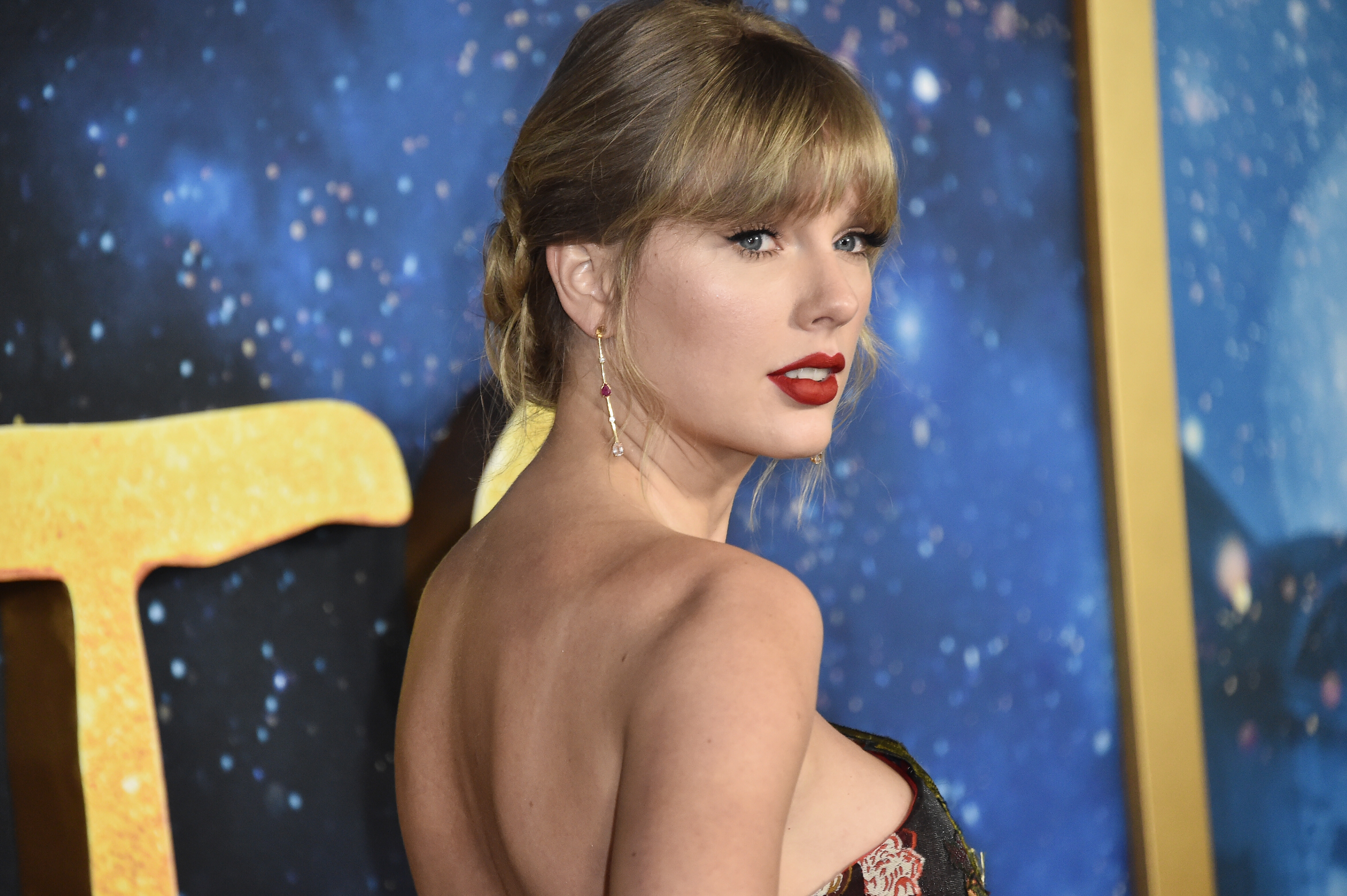 Watch Taylor Swift and Big Red Machine team up for new song 'Renegade'