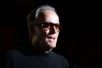 Hollywood remembers 'sweet-hearted' Peter Fonda