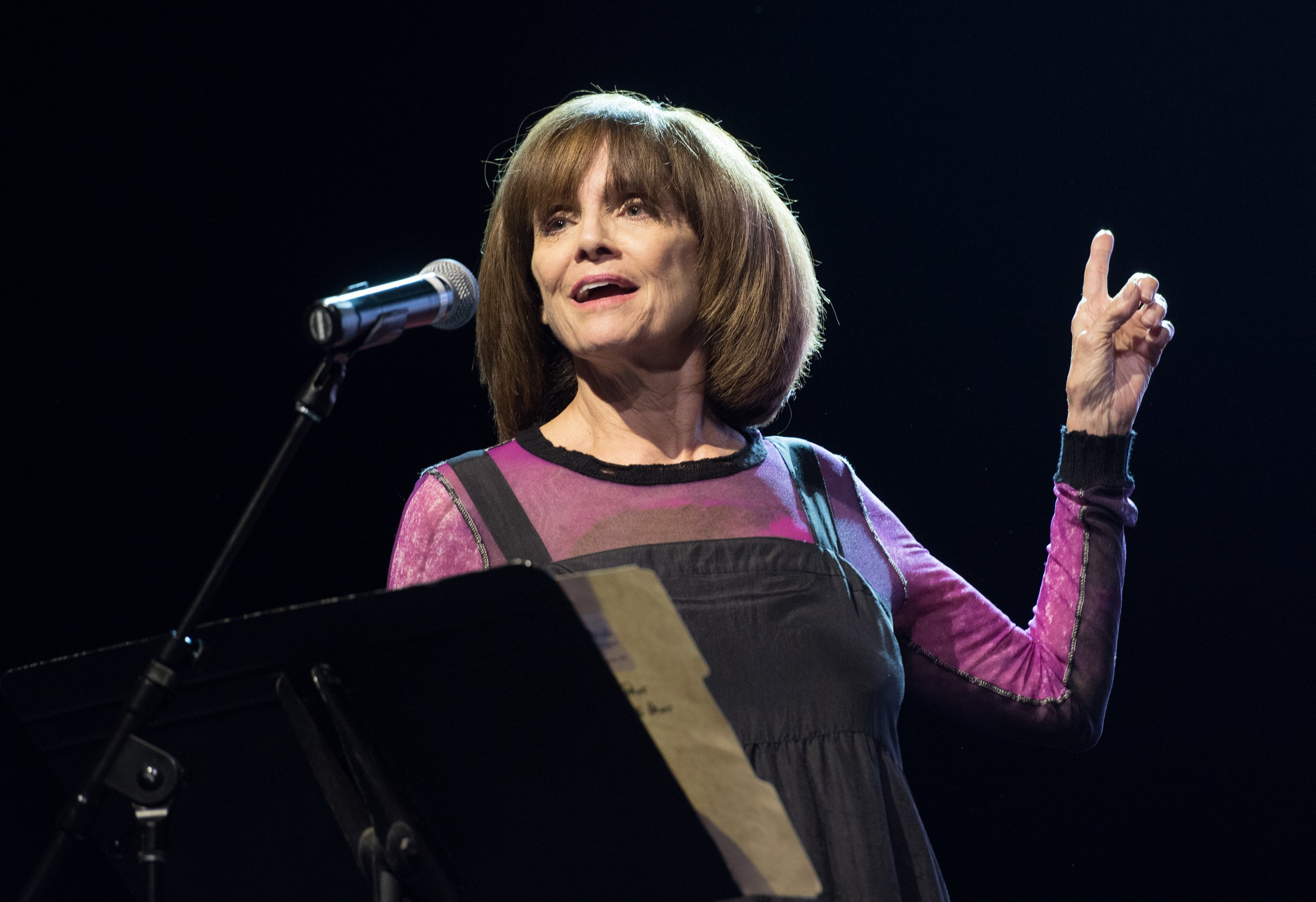 Valerie Harper's family launches GoFundMe for her cancer treatment