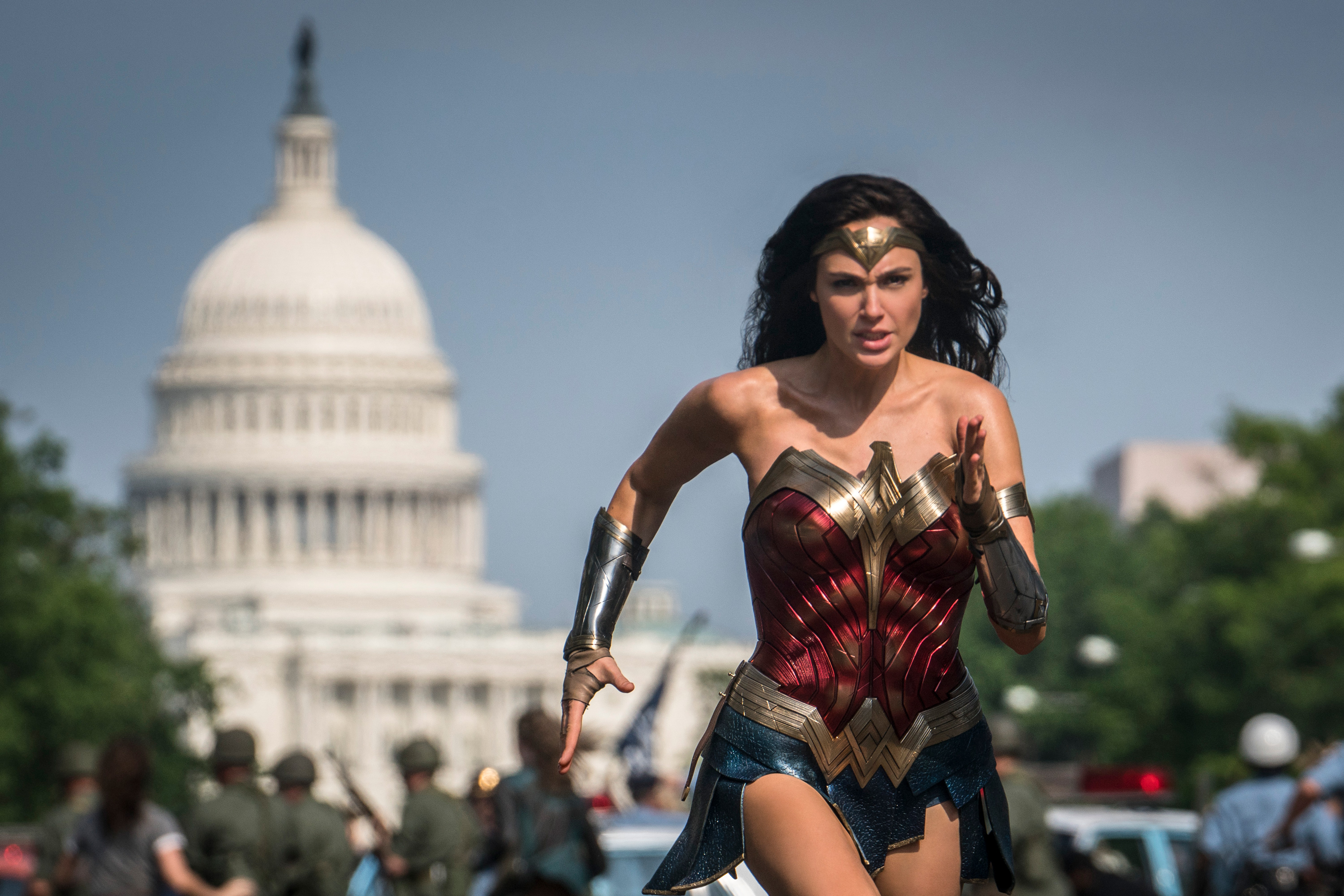 'Wonder Woman 1984' debuts new teaser