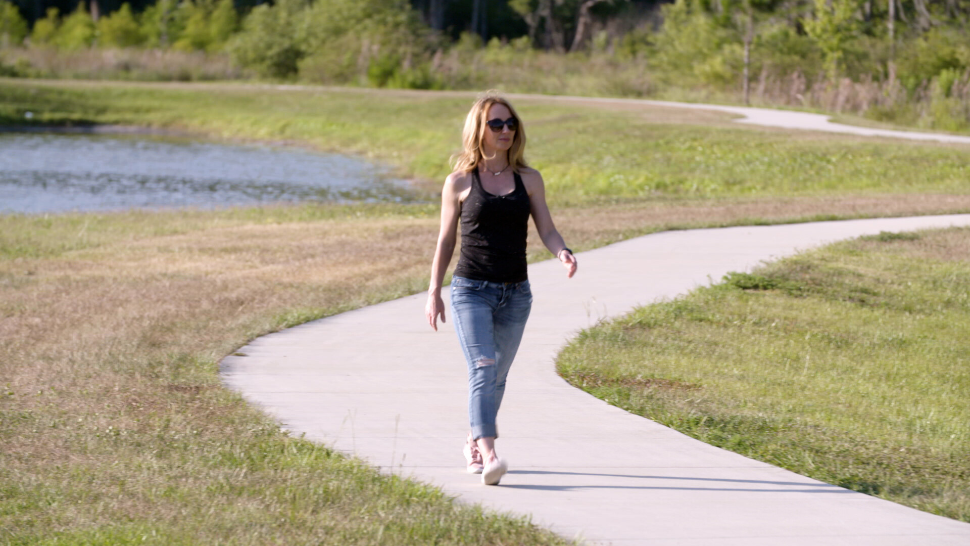How to best burn calories while walking