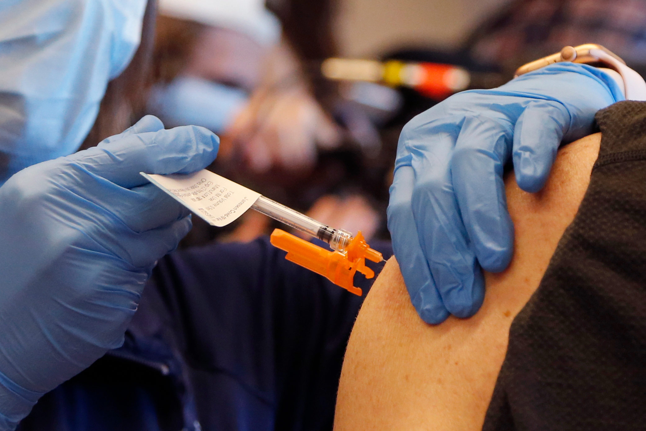 States shift to vaccinate those in their 50s against Covid-19 as supply expands