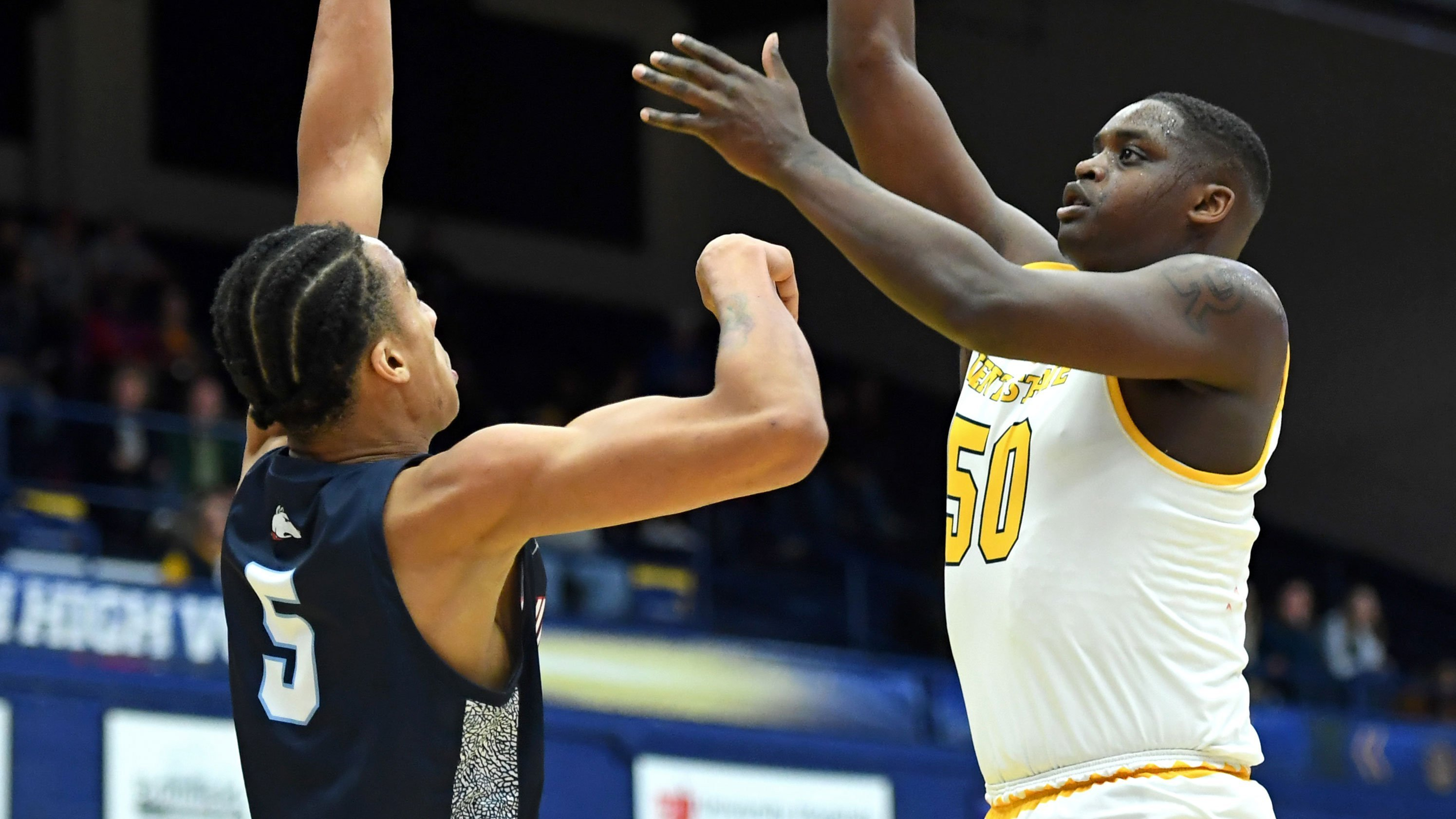 Kalin Bennett, Division I basketball recruit diagnosed with autism, plays for Kent State in opener