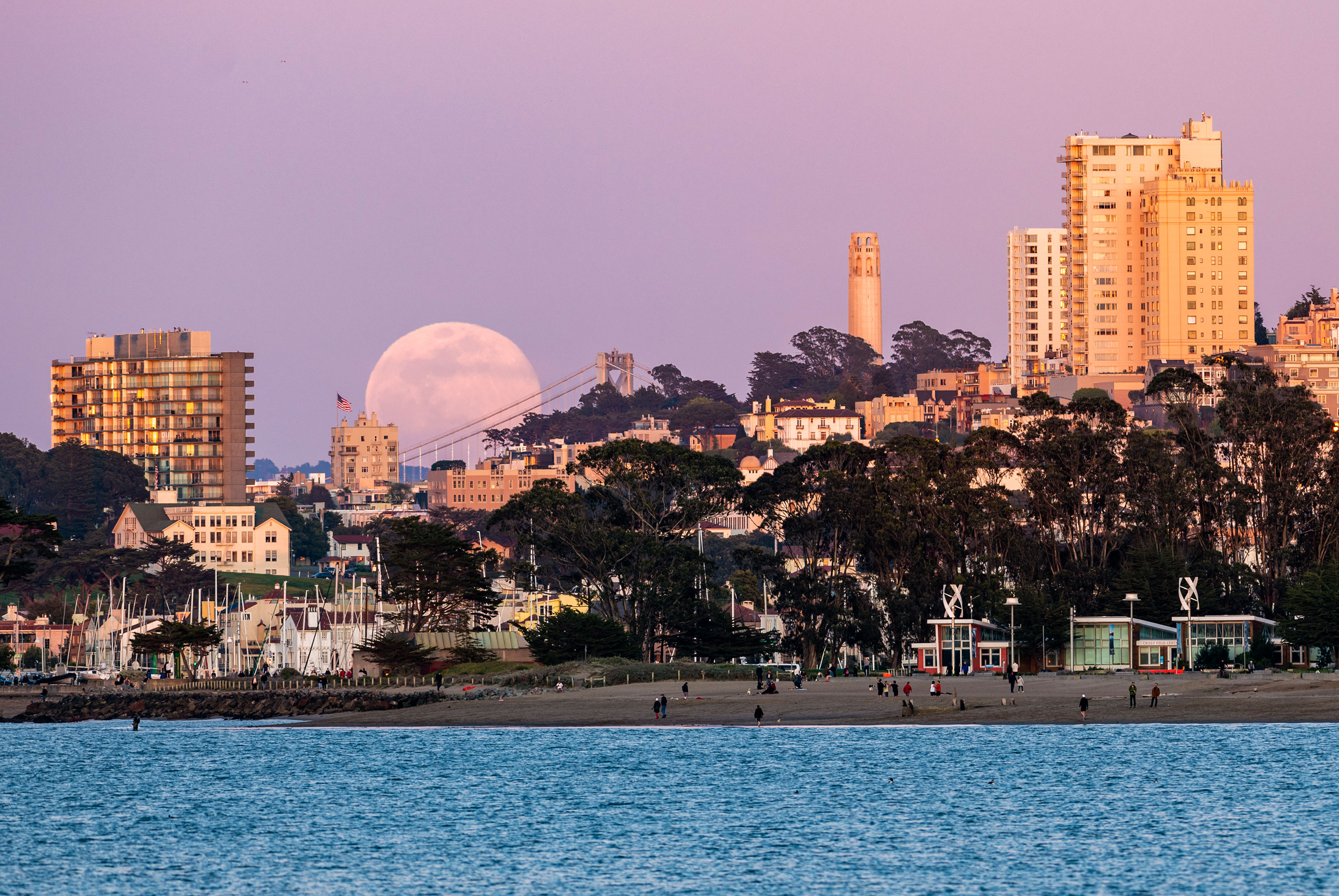 April's pink supermoon in pictures — from California to Krakow