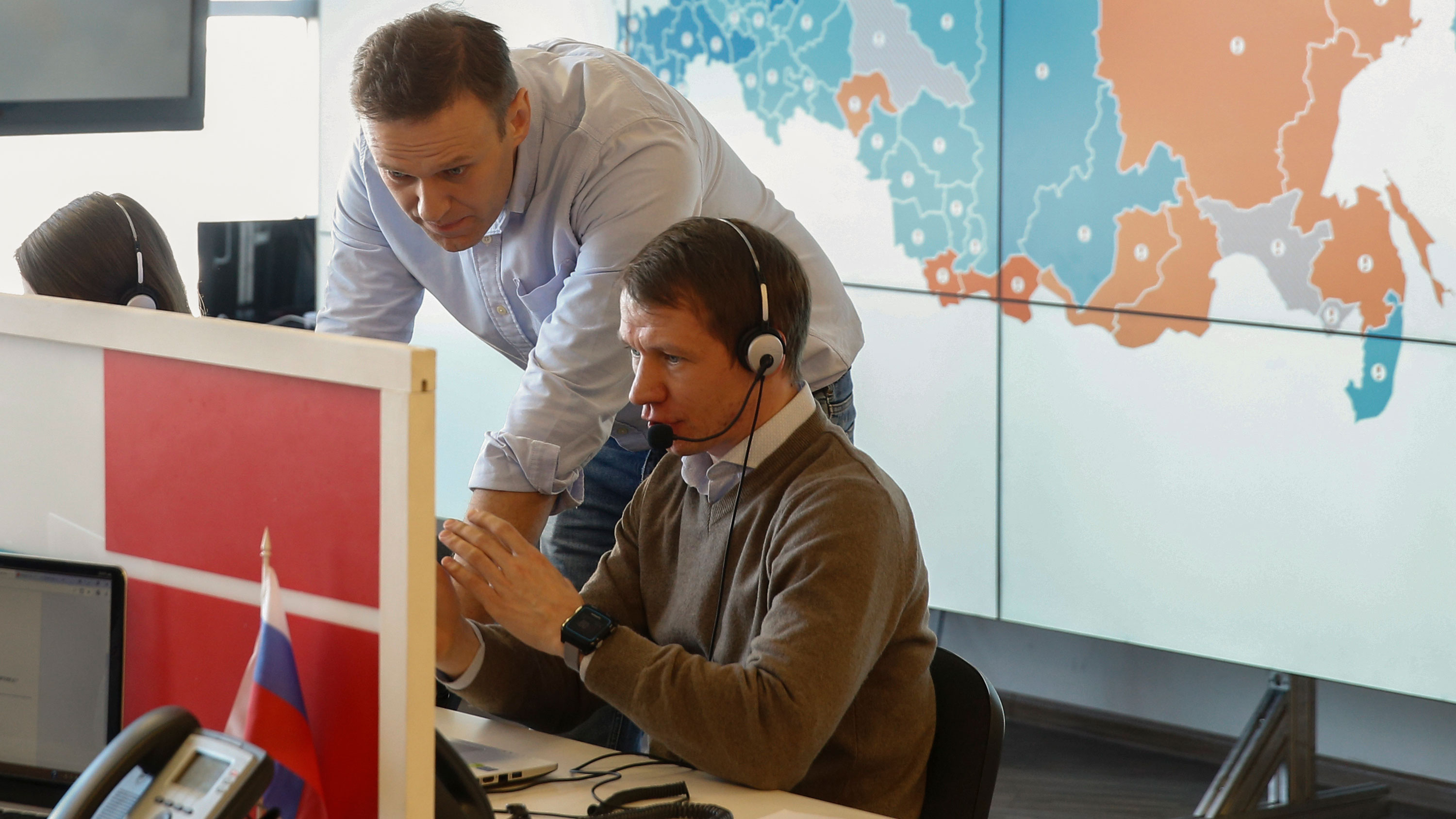 Russian court declares Navalny groups 'extremist' ahead of elections