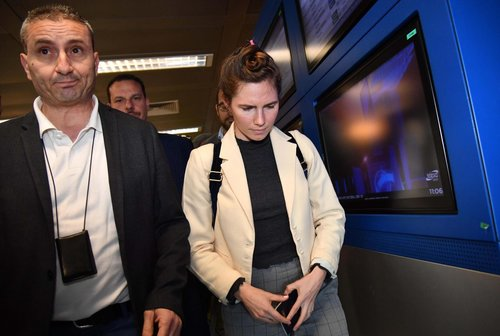 Image for Amanda Knox arrives in Italy for first time since prison release