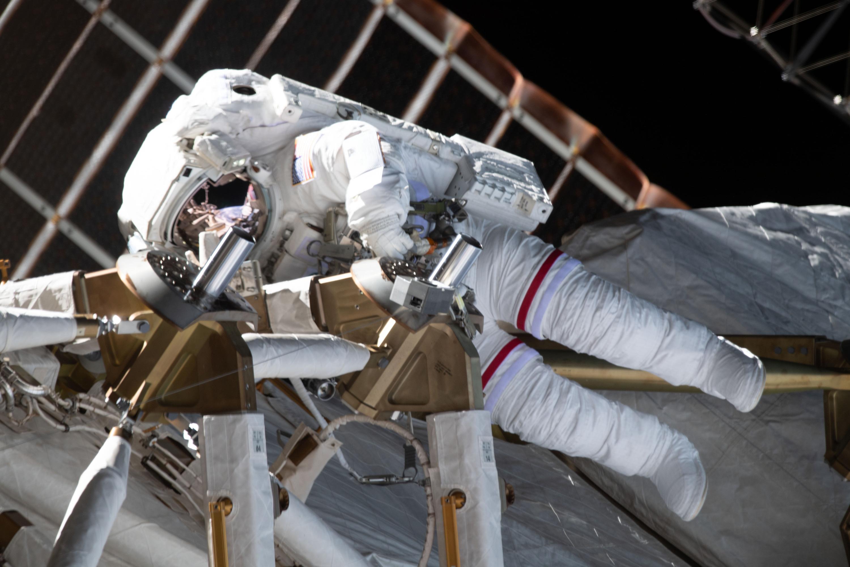 Astronauts Kate Rubins and Soichi Noguchi conduct 4th career spacewalk