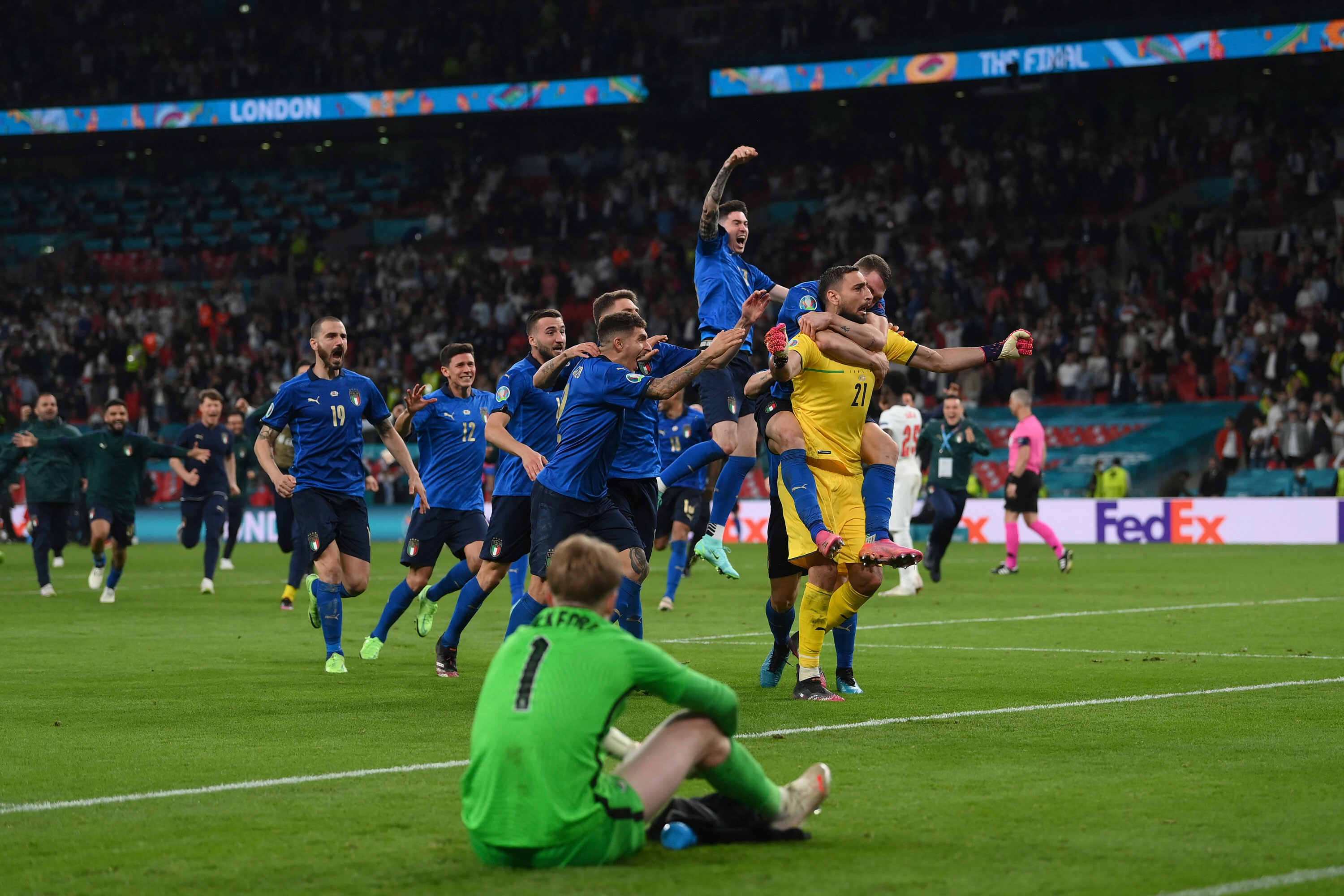 Euro 2020: 'It's come home to Rome' as Azzurri makes triumphant return to Italy