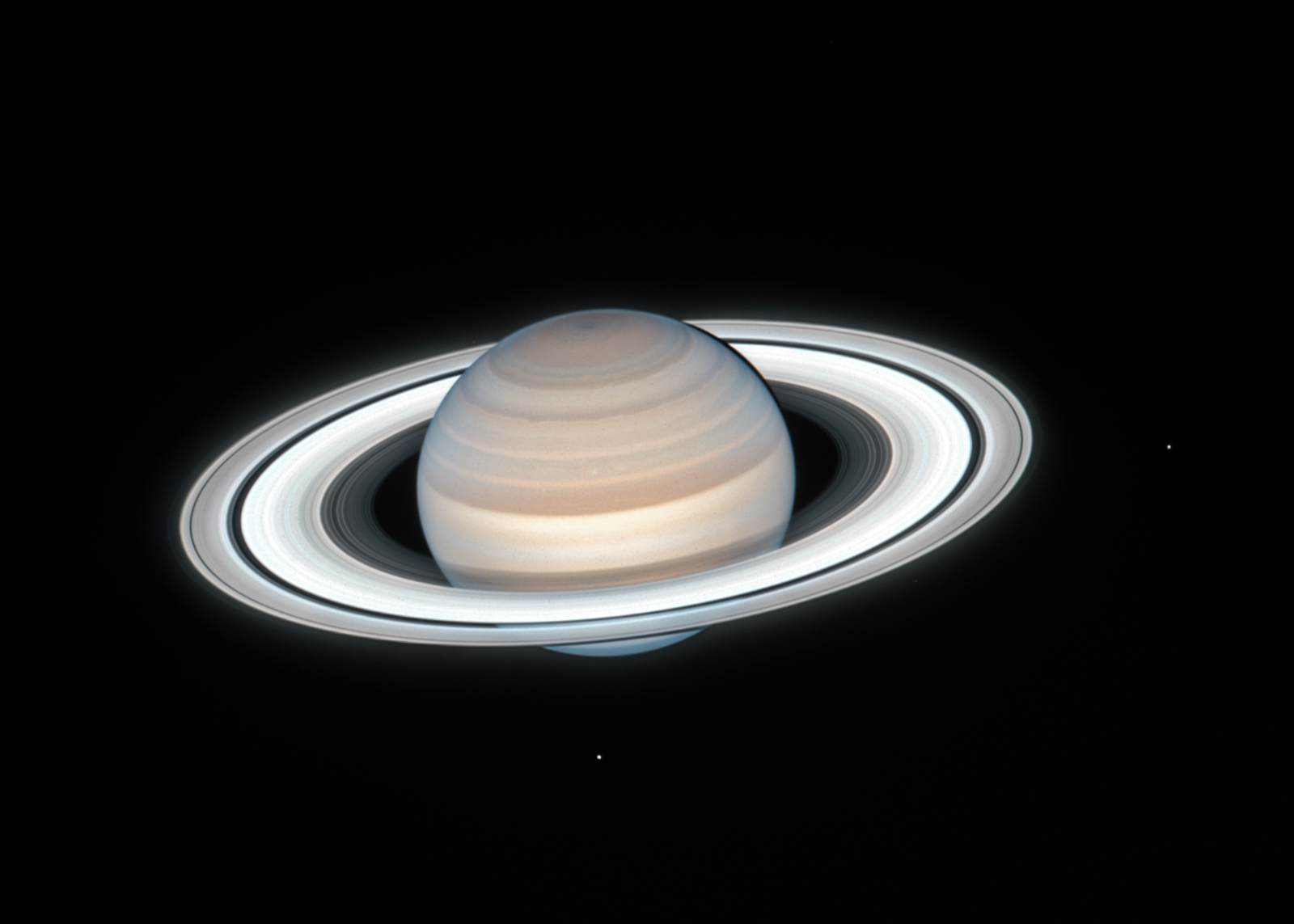 Hubble telescope captures stunningly clear image of summertime on Saturn