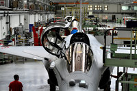 Global weapons sales up as US manufacturers dominate world market