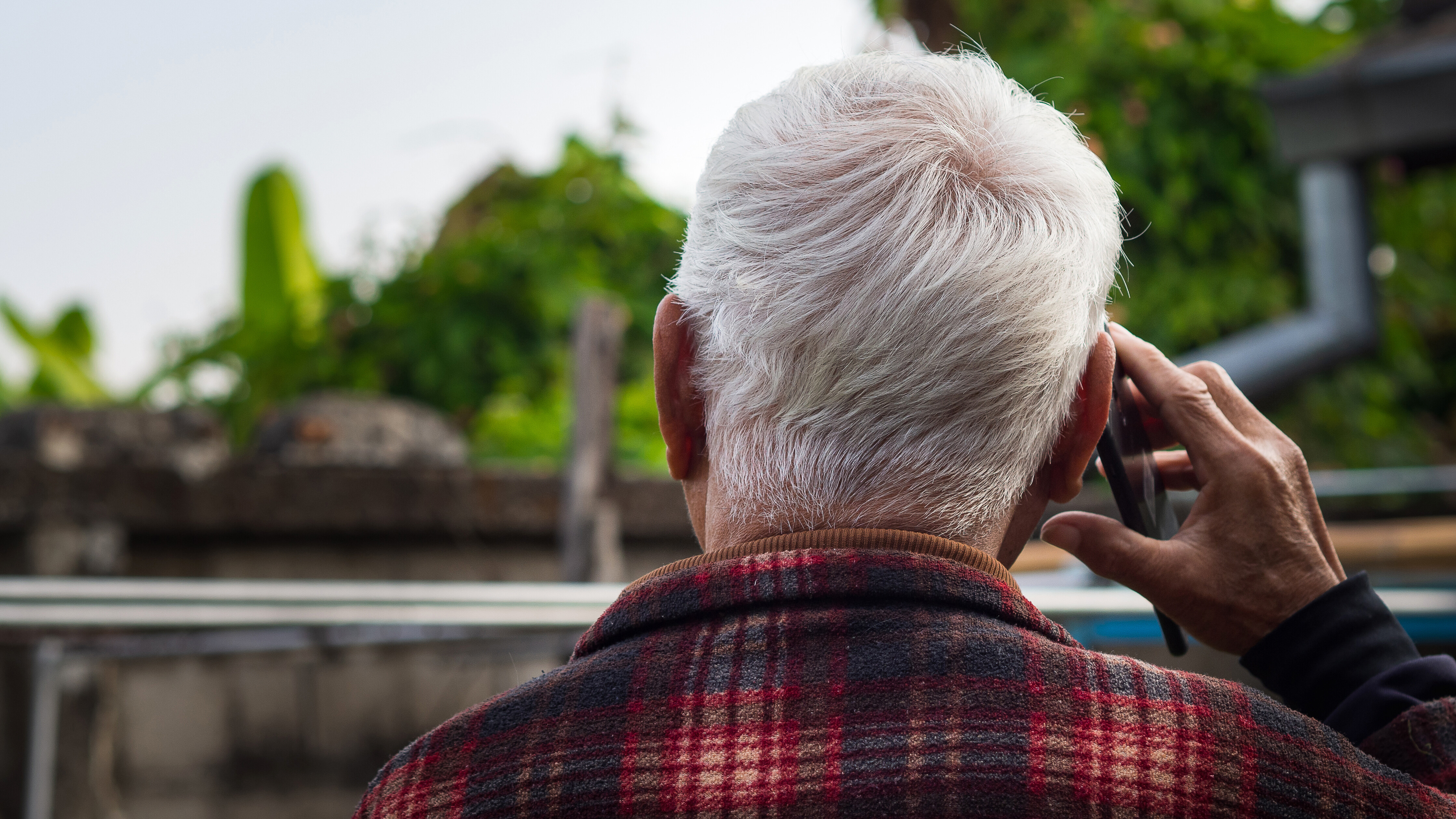 Virtual contact was worse for older people during the pandemic than no contact, study finds