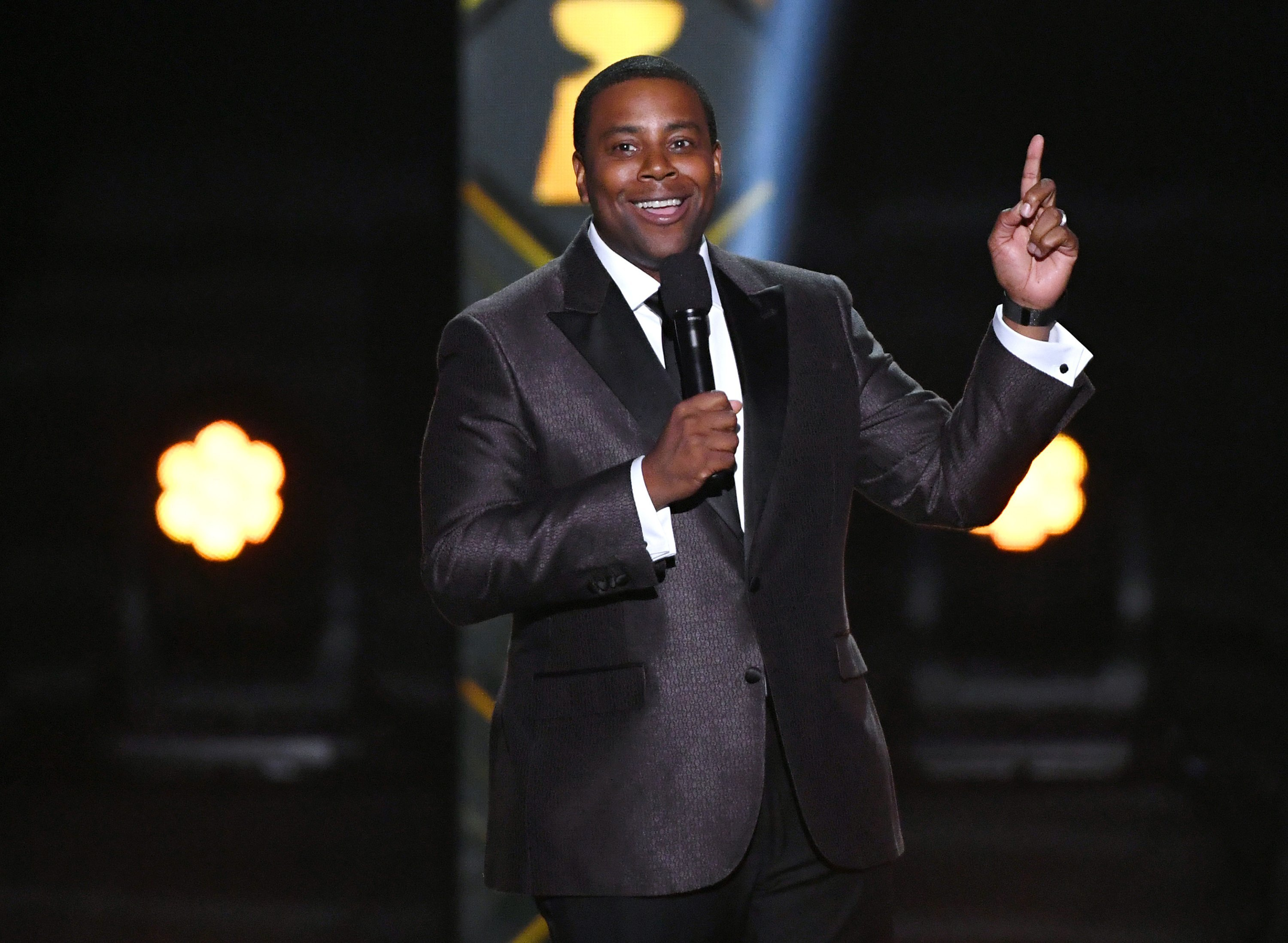 The White House Correspondents' Dinner is bringing back the comedy with Kenan Thompson and Hasan Minhaj