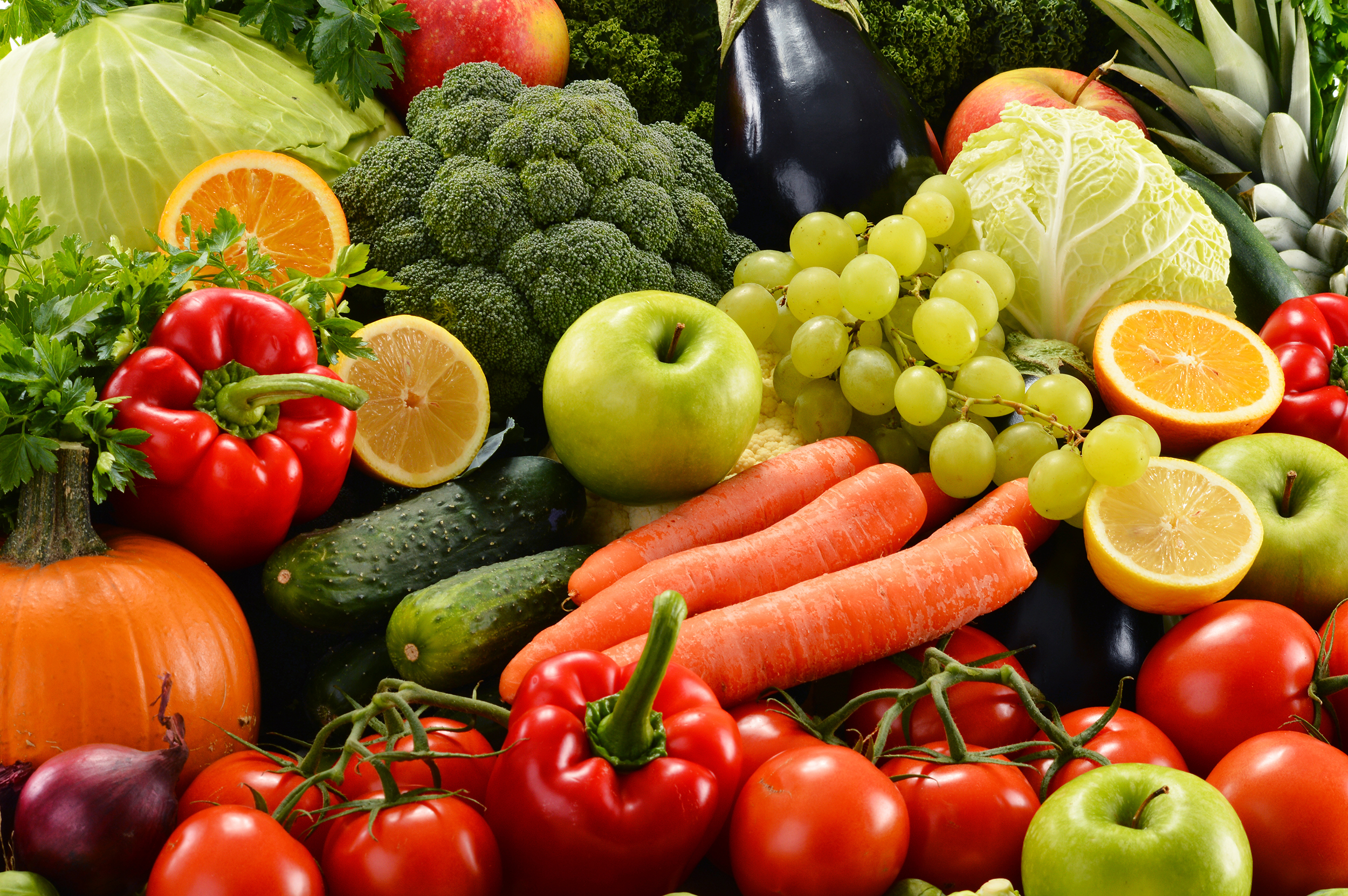 5 is your lucky number of fruits and veggies to live longer, but not all of them count