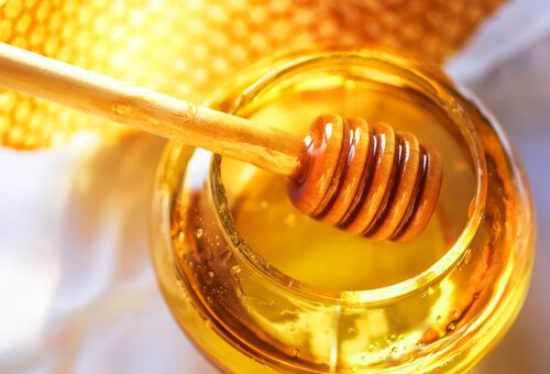 Image for Honey may be better at treating coughs and colds than over-the-counter medicines